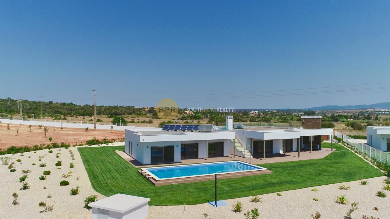 ALGARVE LUXURY 3 BEDROOM VILLA FOR SALE IN LAGOS WITH RIVER AND SEA VIEW