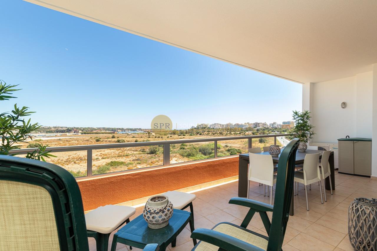 Exelente apartamento T1 com vista rio