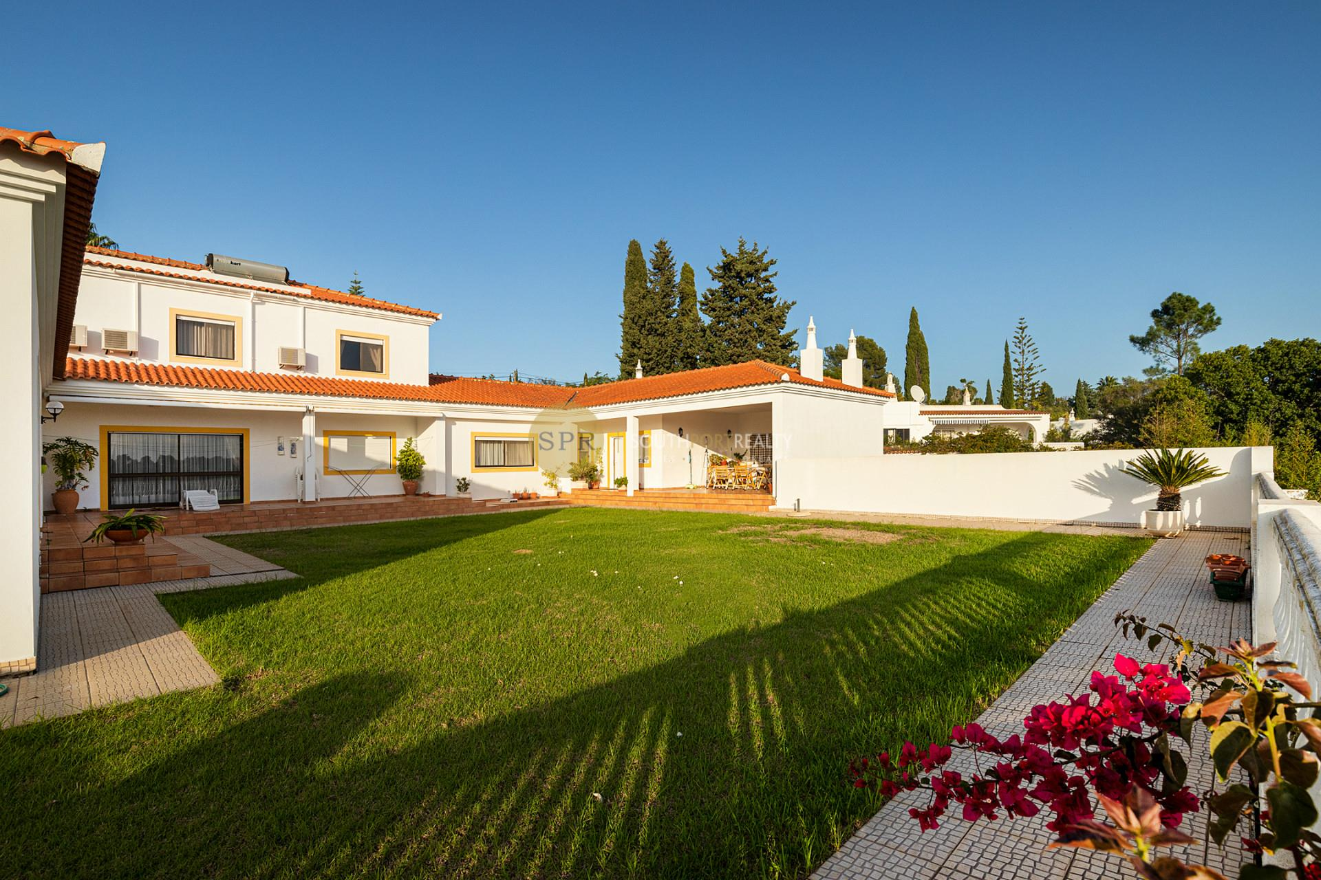 Harmonious villa in Monte Judeu