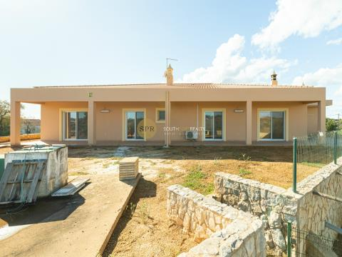 Farm with 3 bedrooms in Estômbar