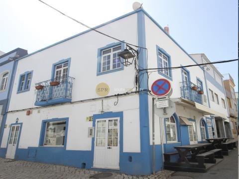 Building for restaurant equipped and ready in Portimão