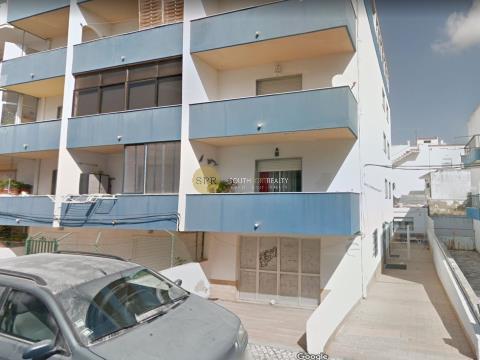 Opportunity 1 bedroom apartment plus 1 bedroom annex in Portimão