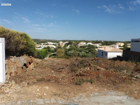Plot of land 960m2 Monte Canelas