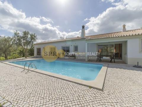 SPACIOUS THREE BEDROOM VILLA WITH POOL,5 MINUTES FROM THE CENTER OF THE TRADITIONAL FISHING VILLAGE OF FERRAGUDO AND LOCAL BEACHES.