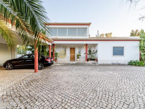 ALGARVE - ALVOR - 6 BEDROOM VILLA WITH POOL AND GARAGE, IN ONE OF THE MOST PRESTIGIOUS GOLF COURSES