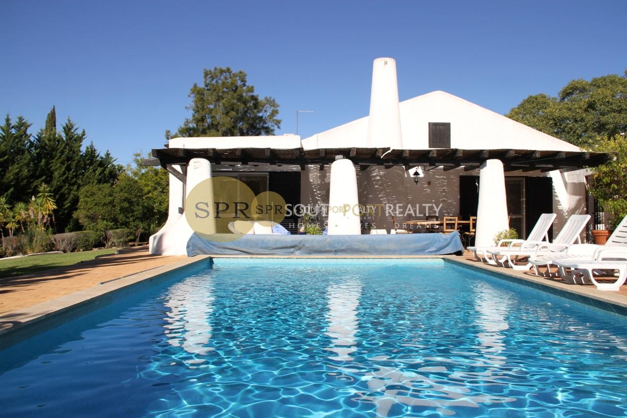 Magnificent property, 15 minutes drive to Praia de Alvor