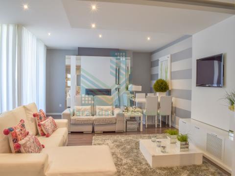 Apartamento T3+2 Duplex inserido em condomínio fechado - Entroncamento