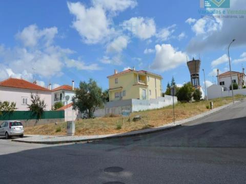 Terreno Urbano  para construção de moradia isolada em Torres Novas