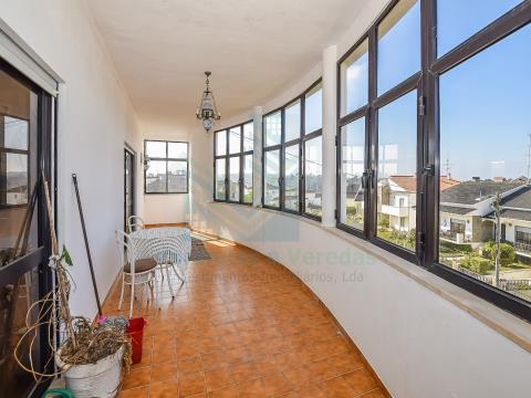Casa T8 4 plantas, con garaje, Leiria