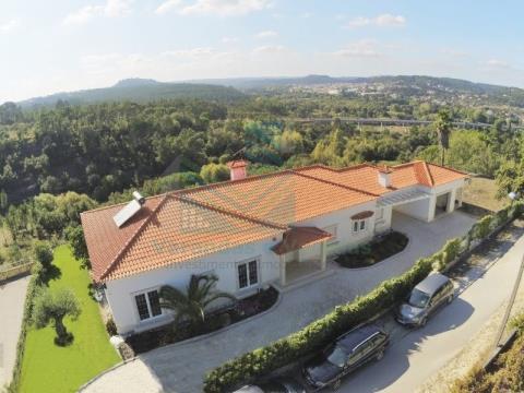 Villa T5- Santarém, Ourém, Seiça