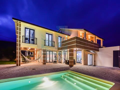 Luxury villa T5 with swimming pool and annex