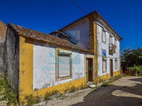 Moradia T12 em Pafarrão (Torres Novas)