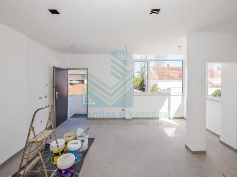 Floor of House T3 +1 in reconstruction Junction
