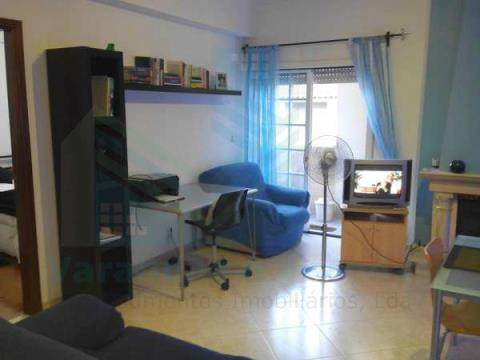 Apartamento T1 com garagem em Entroncamento