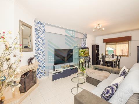 Appartement 1+1 avec terrasse et débarras, à Idanha - Belas - Sintra