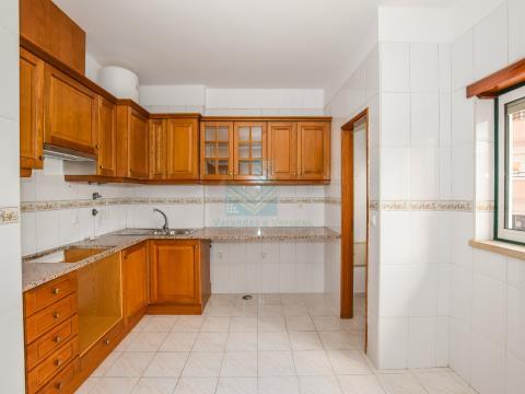 Appartement de 3 chambres à Quinta da Silvã, à proximité des écoles et des services - Torres Novas