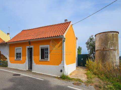 Villa de 2 chambres à Riachos, jusqu'à 100% financement avec patio, puits et annexe.