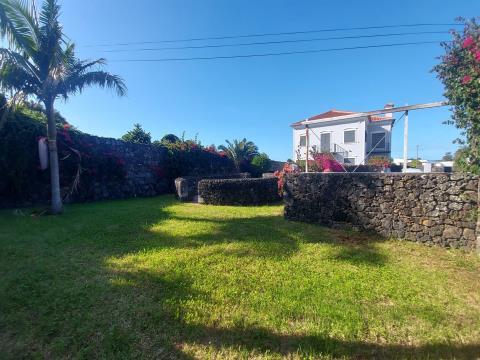 Moradia Isolada T6 - Fenais da Luz, Ponta Delgada