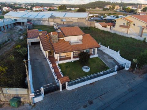 Moradia Isolada T4 Praia S. Félix Marinha