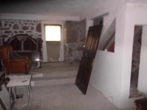 Casa Rústica T2 Para Restaurar - Paredes de Coura