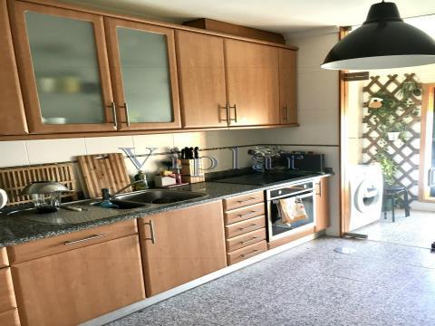 Apartamento T3+1 Duplex - Porto - Mosteiró