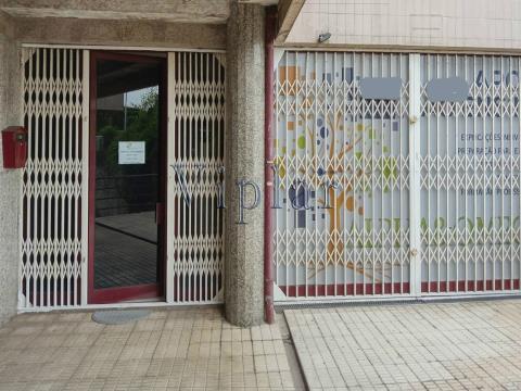 Loja com 77 m² - Porto - Maia