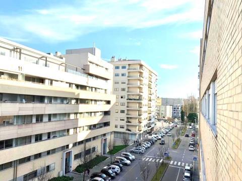 Apartamento T3 próximo ao Pólo Universitário e Hospital São João
