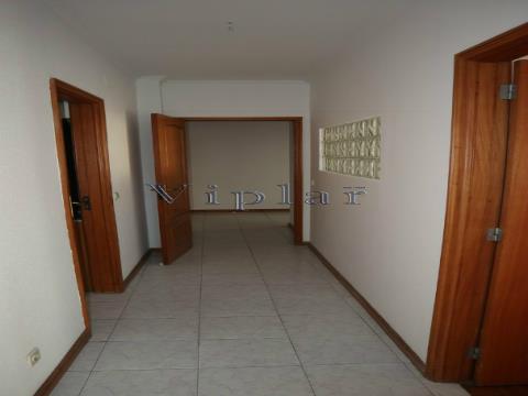 Apartamento T2 - Fânzeres (ao Metro)