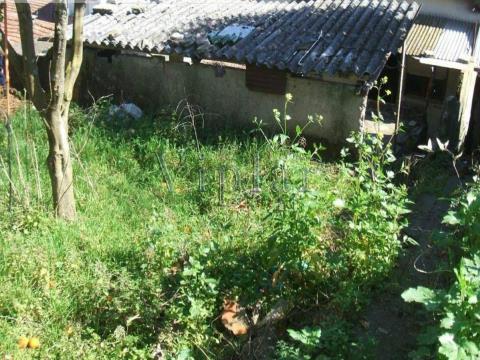 2 Moradias Geminadas para restaurar a Rio Tinto