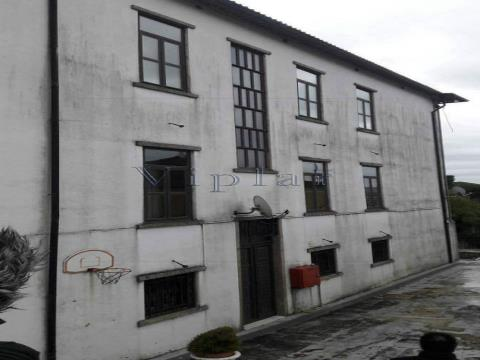 Bonito conjunto de prédios ao Bonfim