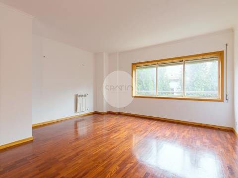Apartamento T3 * Costa Cabral