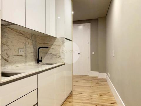 Apartamento T0 novo * R. Santo Ildefonso