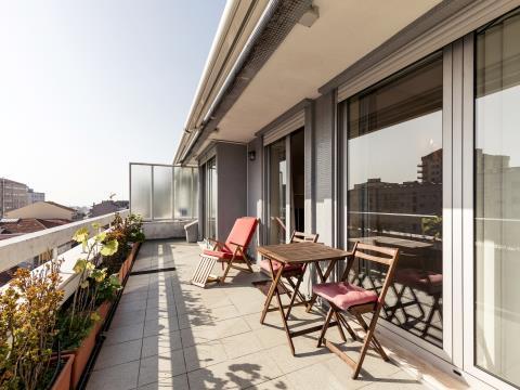 Apartamento T3 com terraço  e garagem * Constituição