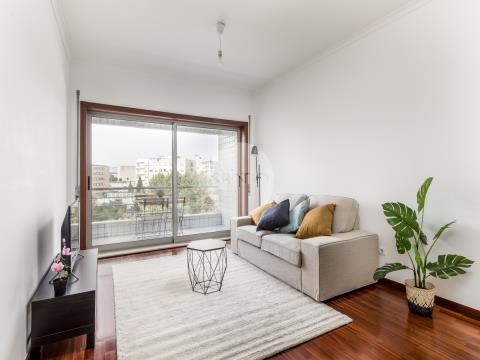 Apartamento T2 com lugar de garagem * Devesas *  Vila Nova de Gaia