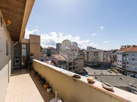 Apartamento cobertura T4 * Último piso * Terraços * Carvalhido * Porto