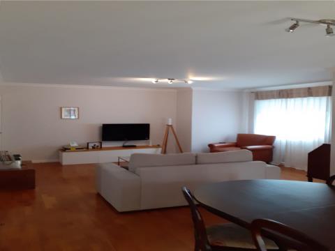Apartamento T3 * Av. República * V.N.Gaia