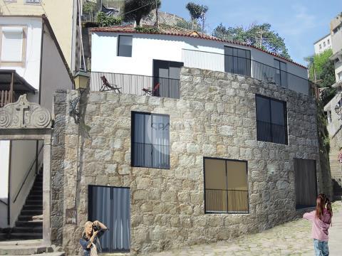 Prédio para reconstrução * Miragaia, Porto