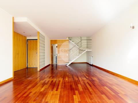 Apartamento T3 Duplex * Águas Santas