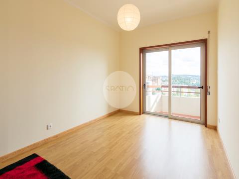 Apartamento T2+1 * Sto Ovídio