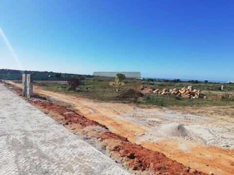 Plot of land for construction of House T3 with swimming pool in Pêra