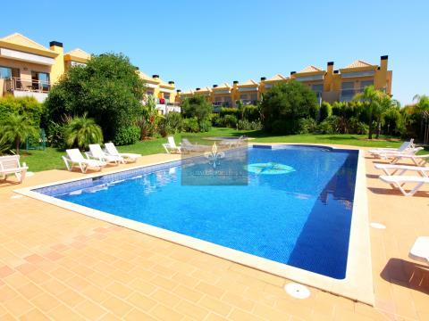 Villa de 3 dormitorios con piscina en Ferreiras