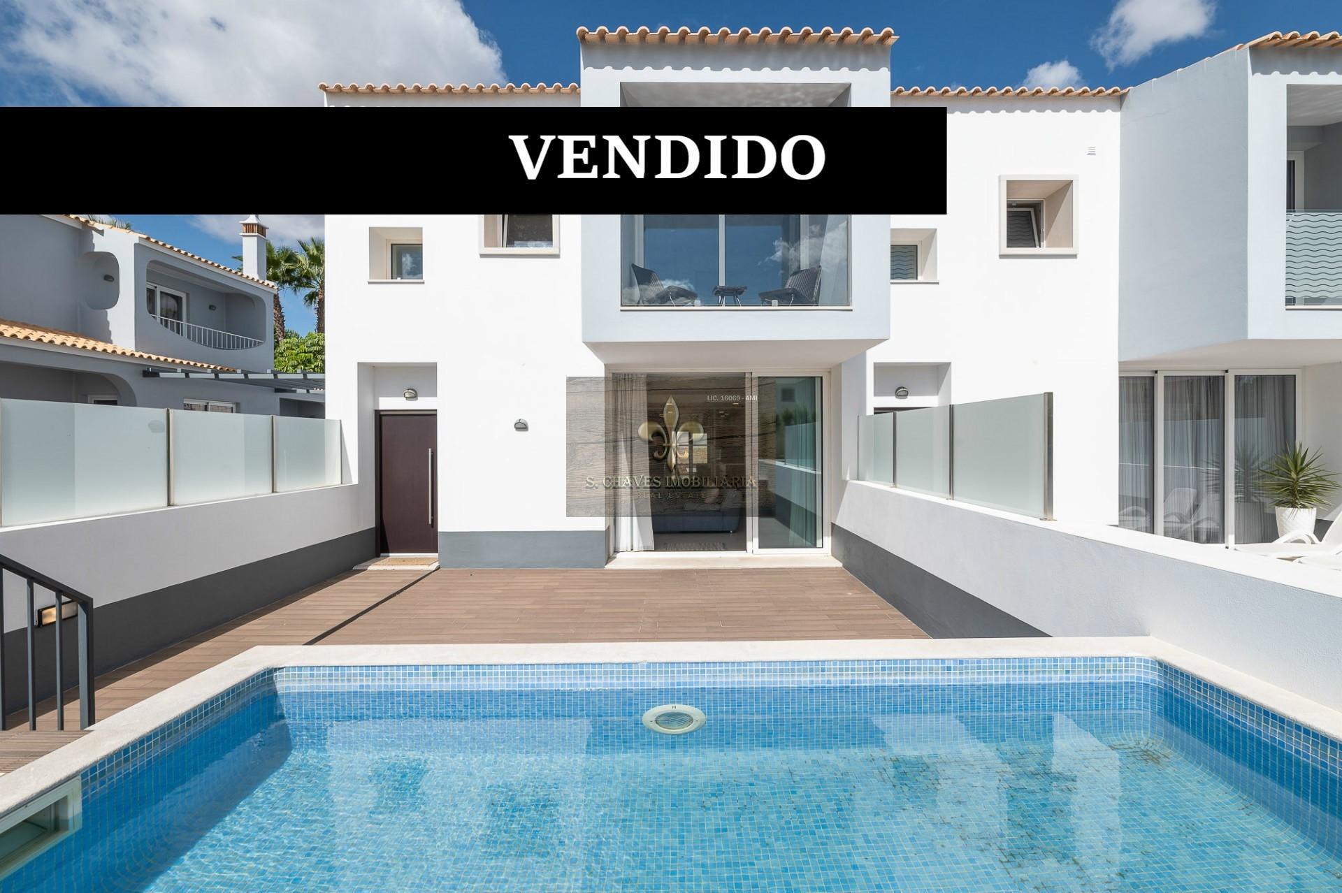 Villa de 4 dormitorios con piscina - Balaia - Albufeira