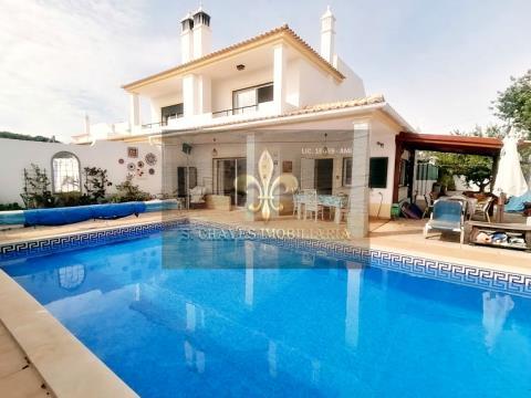 Moradia V3 com piscina em Paderne