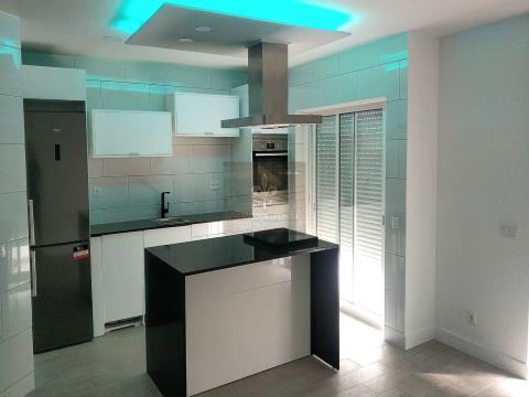 Excellent appartement T2 entièrement rénové à Portimão.