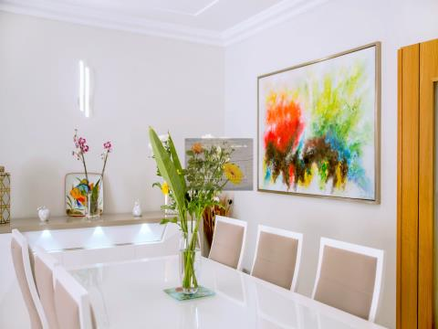 Magnificent 2 Schlafzimmer Villa + 2 Schlafzimmer-Wohnung mit Pool in Albufeira.