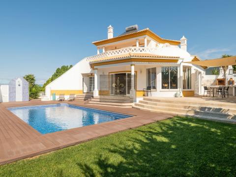 4 Schlafzimmer Villa mit Pool in Sesmarias - Albufeira