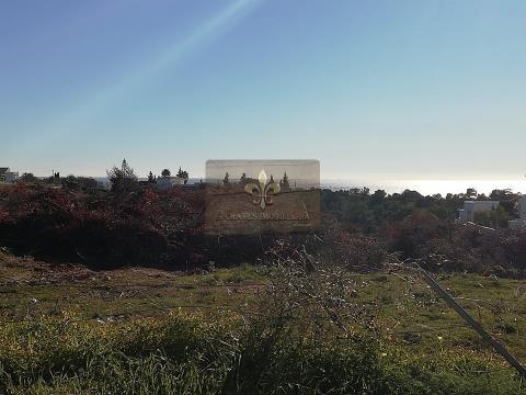 Terrain urbain avec vue sur la mer à Patroves - Albufeira.