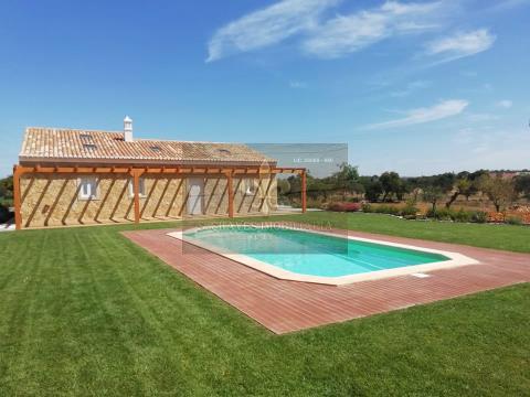 Quinta T2+1 típica Algarvia com piscina em Albufeira