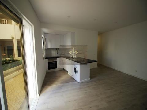 Apartamento T1+1 em Olhos de água em Albufeira
