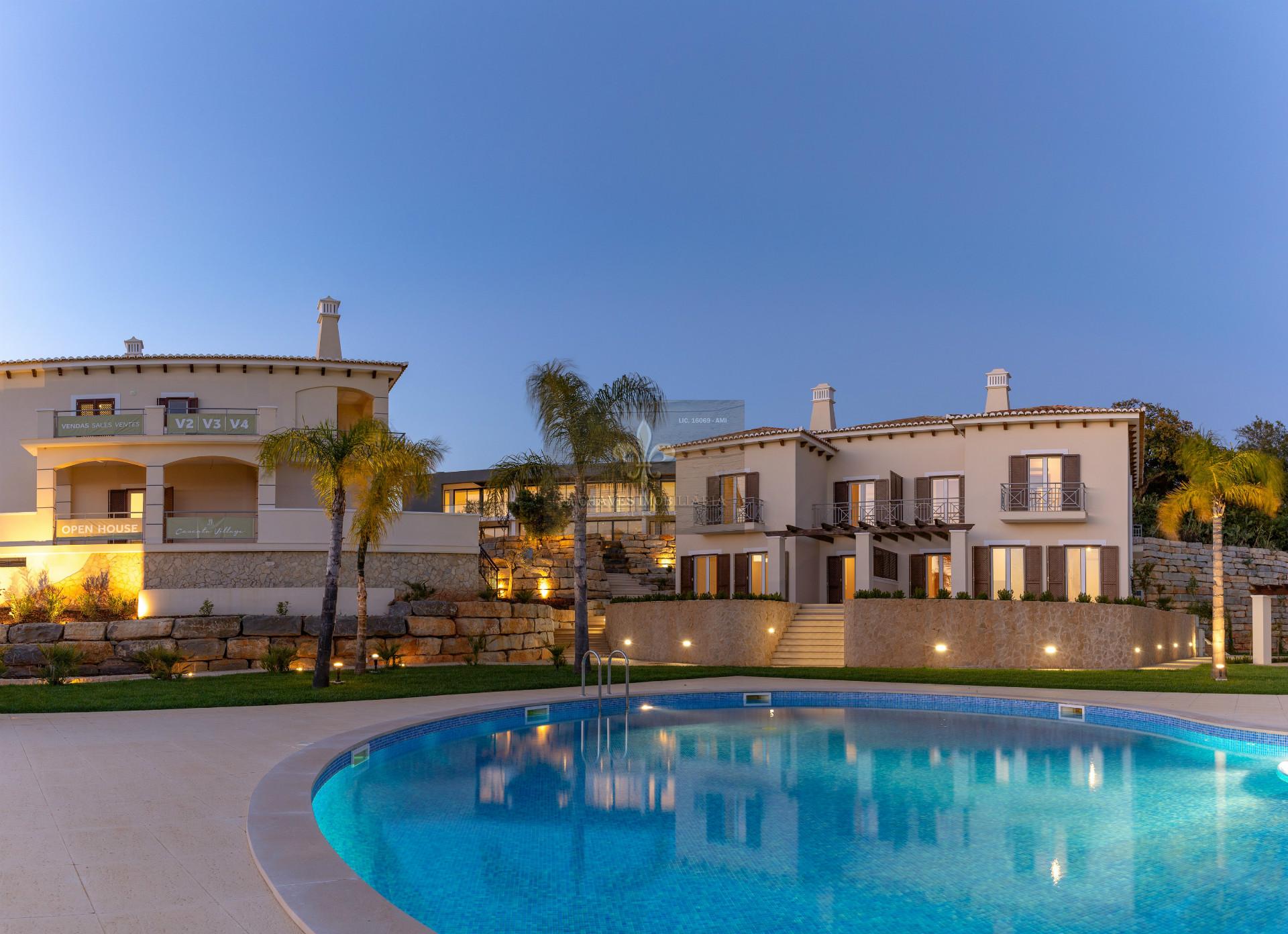Moradia V3 Nova estilo Mediterrânica com piscina em Albufeira.